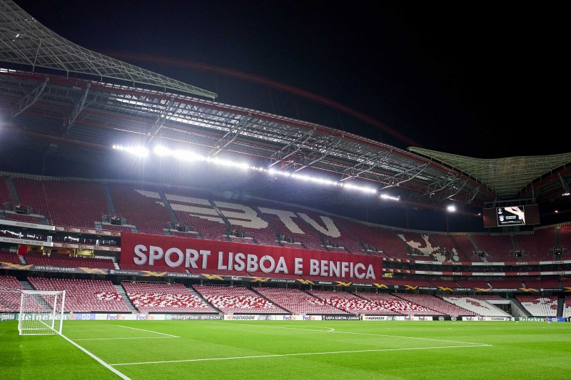 Câu lạc bộ bóng đá khổng lồ Bồ Đào Nha- Benfica xác nhận bùng phát hàng loạt các trường hợp nhiễm coronavirus
