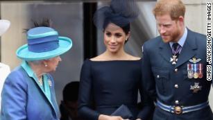 Cháu trai của nữ hoàng Elizabeth ly hôn
