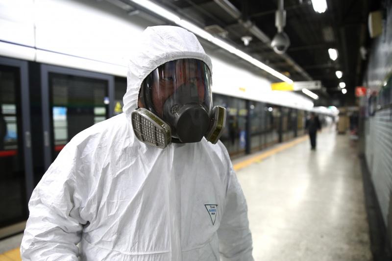 Hàn Quốc vừa báo cáo thêm 87 trường hợp nhiễm coronavirus mới. Chỉ trong 24 giờ qua, số người nhiễm là 229,nâng tổng số ca nhiễm lên 433