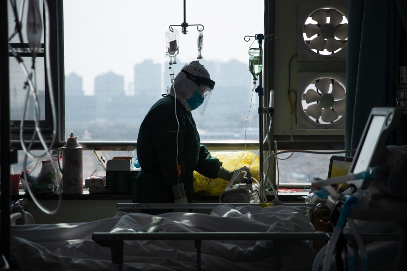 Số người chết vì coronavirus mới tăng lên tới 2.698