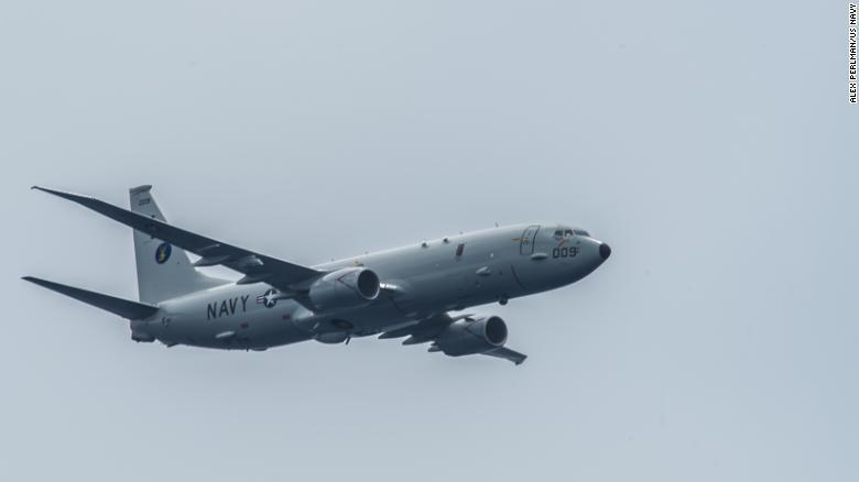 Mỹ cho biết tàu chiến Trung Quốc đã bắn tia laser quân sự vào máy bay Mỹ