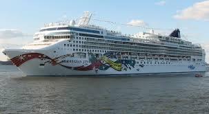 Hiện có ít nhất 30 tàu du lịch đang ở trên biển và đây là những gì ở trên tàu