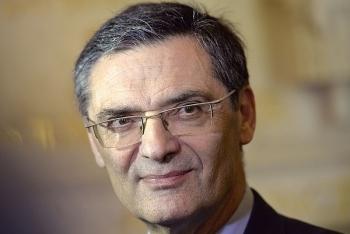 Cựu Bộ trưởng Patrick Devedjian chết sau khi nhiễm Covid-19