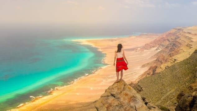 Ngôi sao YouTube đang tự cách ly trên một hòn đảo sa mạc