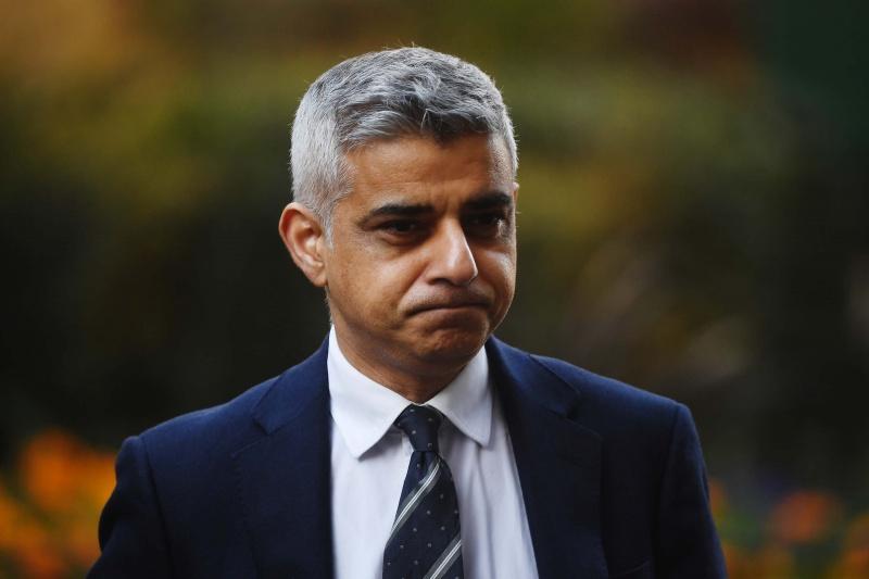 Sadiq Khan-Thị trưởng London cắt giảm 10% tiền lương