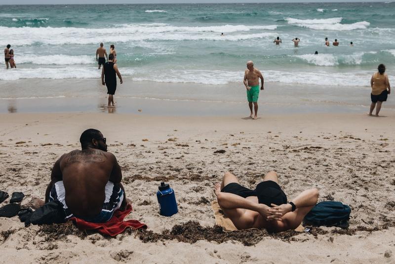 Thị trưởng hạt Palm Beach cho biết các bãi biển sẽ đóng cửa vào ngày 4 tháng 7
