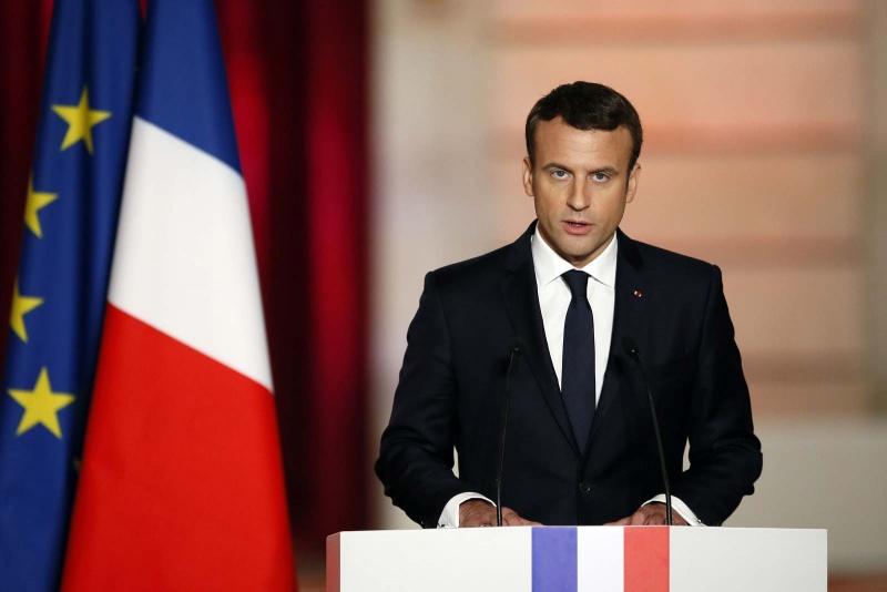 Tổng thống Pháp ủng hộ việc bắt buộc đeo khẩu trang trong không gian công cộng kín
