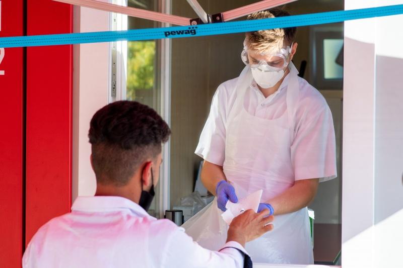 Áo báo cáo các trường hợp nhiễm coronavirus gia tăng sau khi nhà lãnh đạo cho biết họ đang bắt đầu làn sóng thứ hai