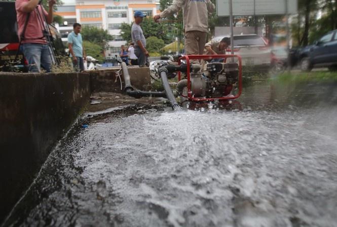 Nước sạch Sông Đà tạm dừng cấp nước... vô thời hạn