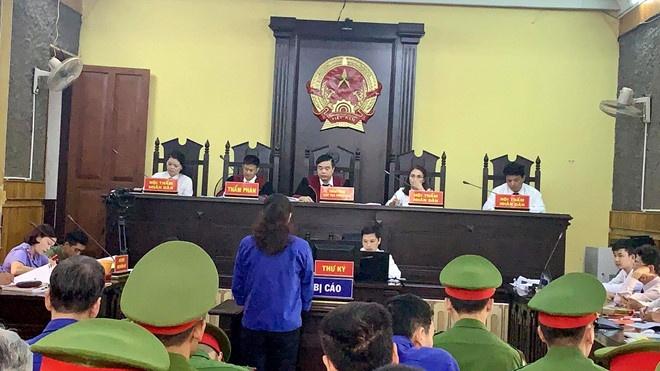 Cán bộ Sở GD-ĐT Sơn La mang bài thi về phòng ngủ nhà riêng sửa trong đêm