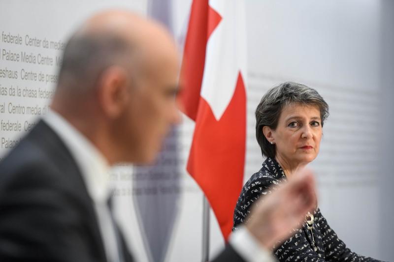 Thụy Sĩ áp đặt các hạn chế khi phơi nhiễm gia tăng
