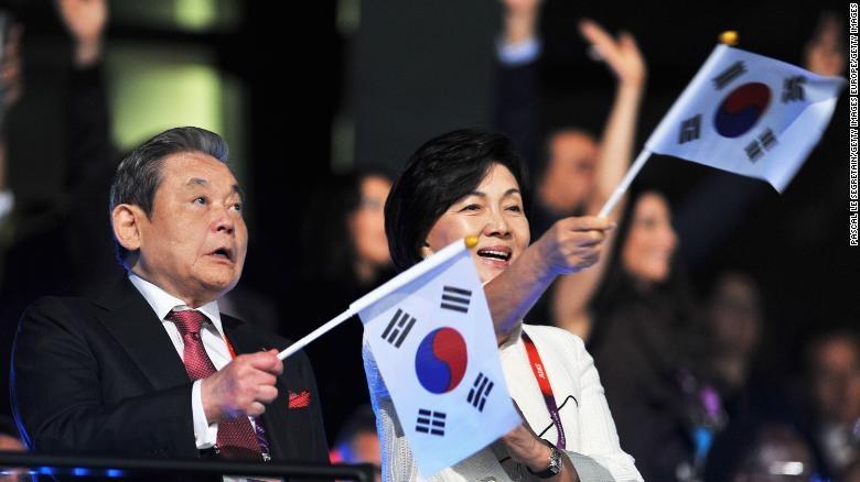 Chủ tịch tập đoàn Samsung- Lee Kun-Hee chết sau thời gian dài ốm nặng