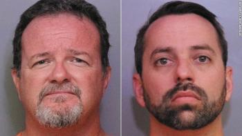Mười bảy người đã bị bắt trong một vụ khiêu dâm trẻ em ở bang Florida, hai  trong số họ là nhân viên của Disney.