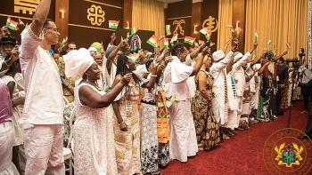 Lễ kỷ niệm; Năm trở về của đất nước Ghana bao gồm126 công dân di cư.
