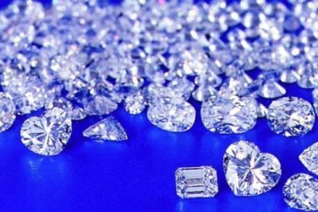 Bên trong sàn giao dịch kim cương lớn nhất thế giới