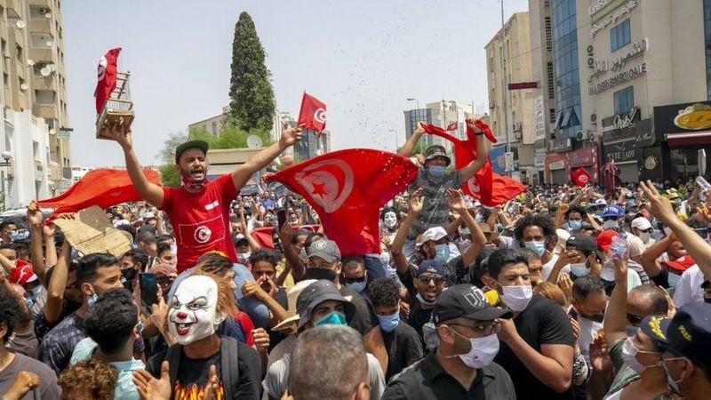 Tunisia: Đảng của Thủ tướng cáo buộc Tổng thống