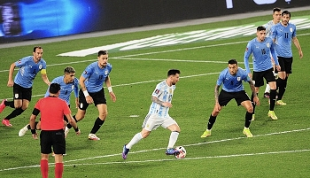 messi bung no argentina vui dap uruguay 3 ban khong go