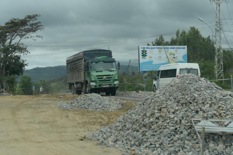 Thi công QL19 ( Gia Lai): Bỏ kỹ thuật đá dăm nước láng nhựa chuyển sang thảm bê tông nhựa