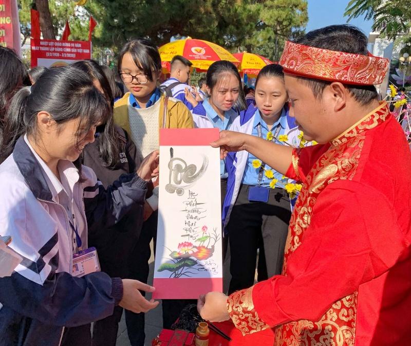 Gia Lai: Khai mạc Hội Báo Xuân Canh Tý 2020