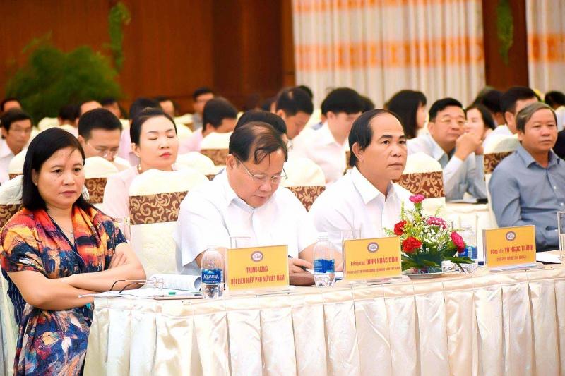 Thống đốc Lê Minh Hưng: Ngân hàng Nhà nước bàn giải pháp đẩy lùi tín dụng đen Tây Nguyên