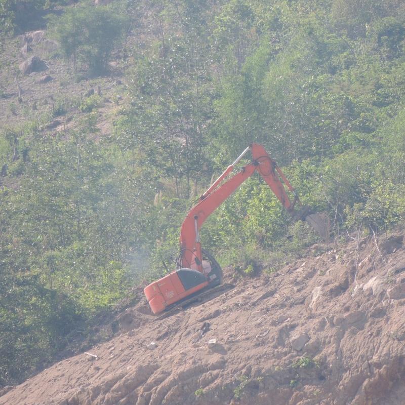 Kon Tum: Rừng tan nát, đất rừng cấp cho doanh nghiệp khai thác mỏ đá