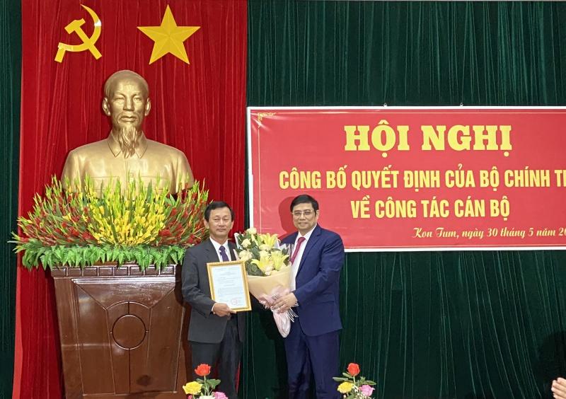 Bộ Chính trị phân công ông Dương Văn Trang giữ chức Bí Thư tỉnh ủy Tỉnh Kon Tum
