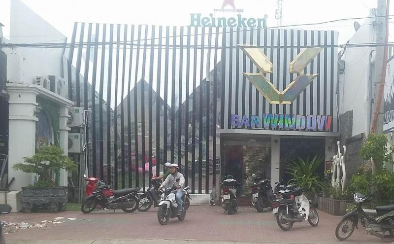 Kon Tum: Hỗn chiến tại quán bar trong đêm khiến 2 người chết, 3 người bị thương