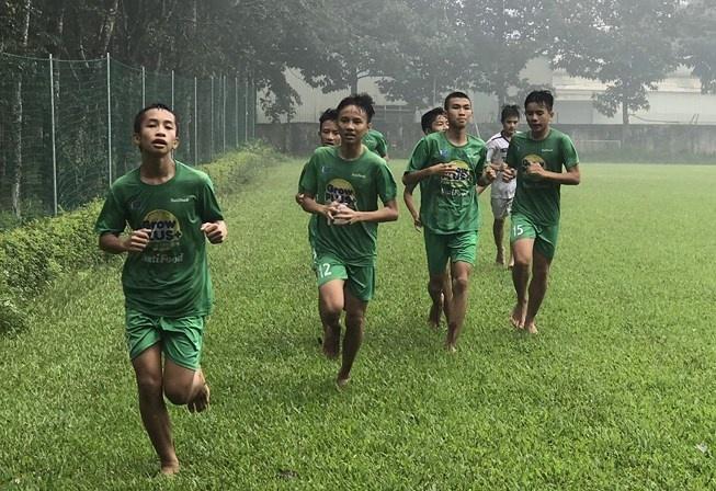 Bầu Đức cho NutiFood mượn Học viện bóng đá