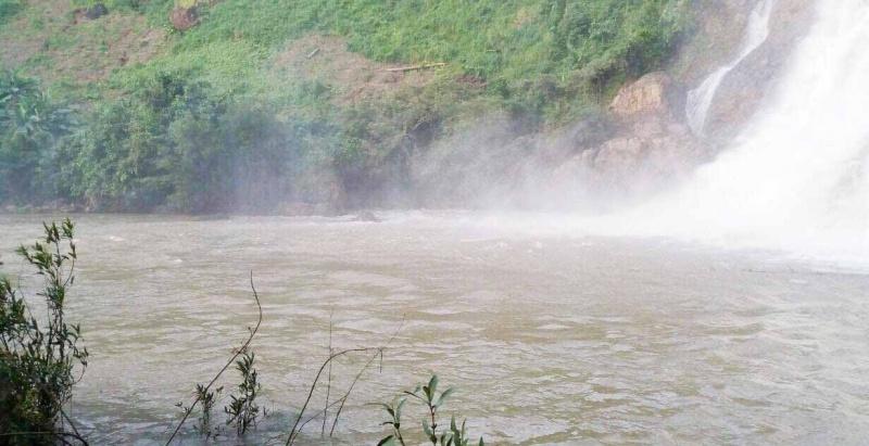 Gia Lai: 3 thanh niên mất tích khi tắm thác