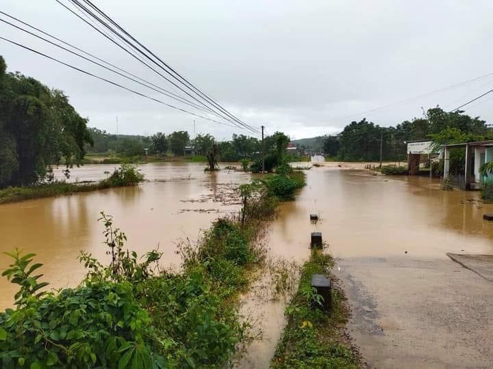 Kon Tum: Thiệt hại do bão số 5 gây ra chưa khắc phục xong, bão số 6 ập đến