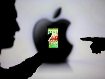 hai luat su viet nam kien apple vi lam cham iphone cu