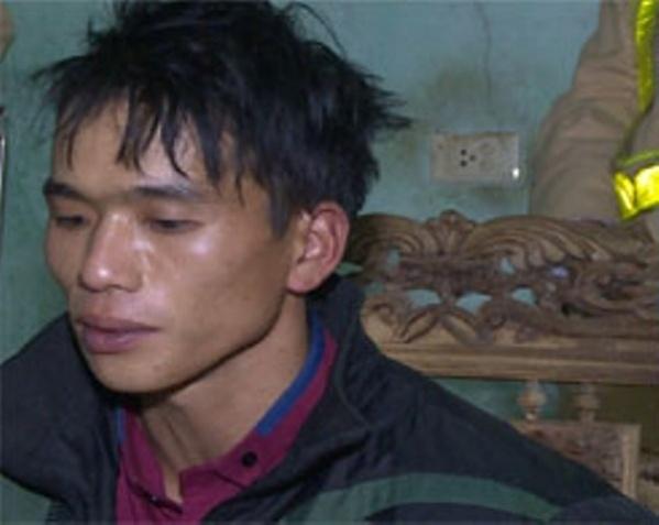 Thanh Hoá: Bắt nóng thanh niên dùng xe máy vận chuyển 6 bánh heroin và 6kg ma tuý 'đá'