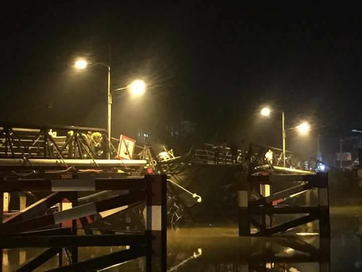 Vụ sập cầu Long Kiển ở TPHCM: Cây cầu đã 'kêu cứu' từ lâu