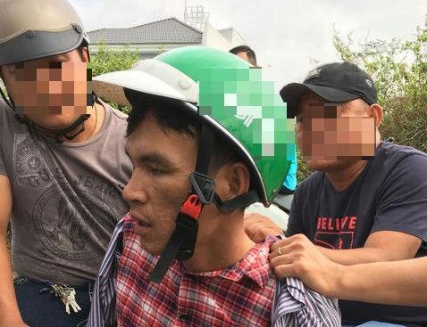 Cảnh sát hình sự mật phục bắt tên 'hung thần' của tài xế xe ôm