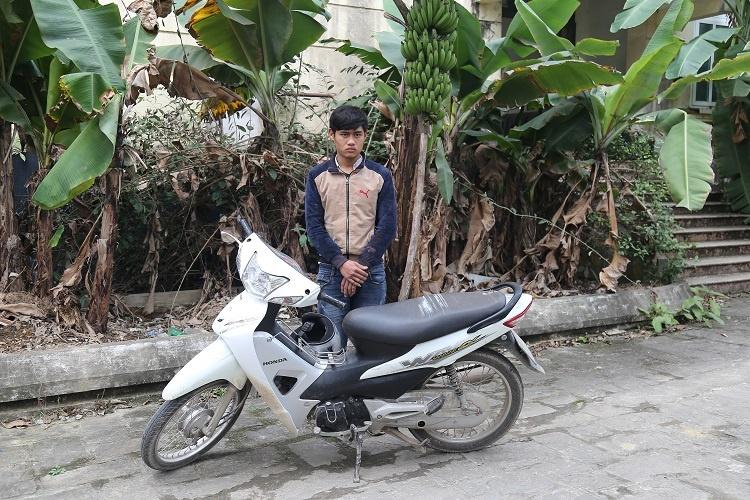 Vĩnh Phúc: Nam thanh niên vi phạm giao thông còn tông CSGT