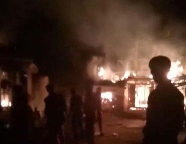 Nghịch tử đốt nhà bố mẹ, tình nghi do thua cá độ trận Việt Nam – Iraq