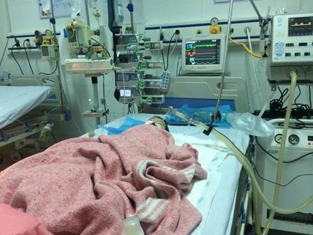 Vụ bé gái bị tiêm nhầm thuốc: Bệnh nhi khó qua khỏi, được gia đình đưa về