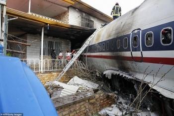 may bay boeing 707 roi o iran khien 15 nguoi thiet mang