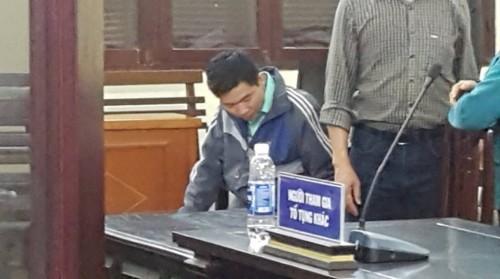Bác sĩ Hoàng Công Lương làm đơn xin HĐXX cho giữ quyền im lặng