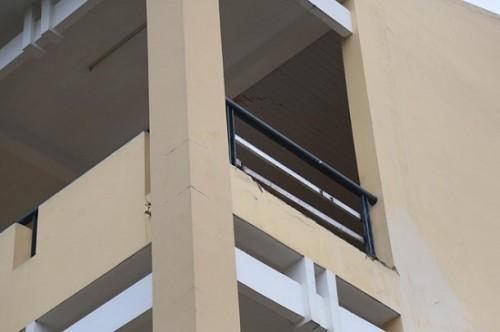 Đồng Nai: Nữ sinh lớp 9 bị mảnh tường rơi trúng làm gãy chân khi đang ở trường học