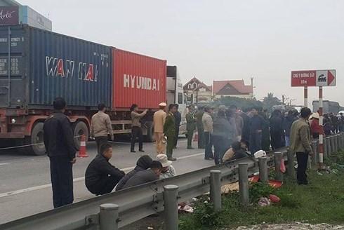 Thông tin mới vụ xe tải lao vào đoàn người viếng nghĩa trang làm 8 người chết ở Hải Dương