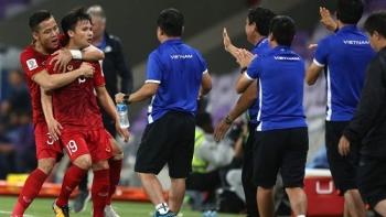 van hau va quang hai duoc fox sports asia chon hay nhat asian cup 2019