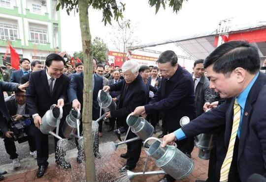 Tổng Bí thư Nguyễn Phú Trọng tham dự lễ phát động Tết trồng cây tại tỉnh Hưng Yên