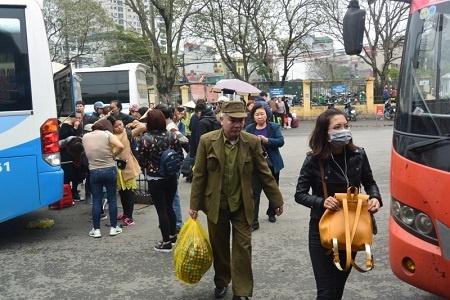 Người dân trở lại Thủ đô sau những ngày nghỉ Tết