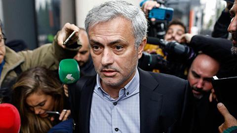 Trốn thuế, Mourinho nhận án 1 năm tù