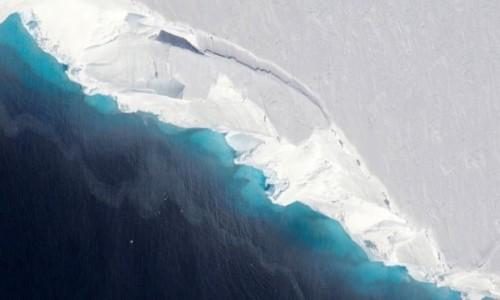 Phát hiện lỗ hổng khổng lồ chứa 14 tỷ tấn băng dưới đáy sông ở Nam Cực