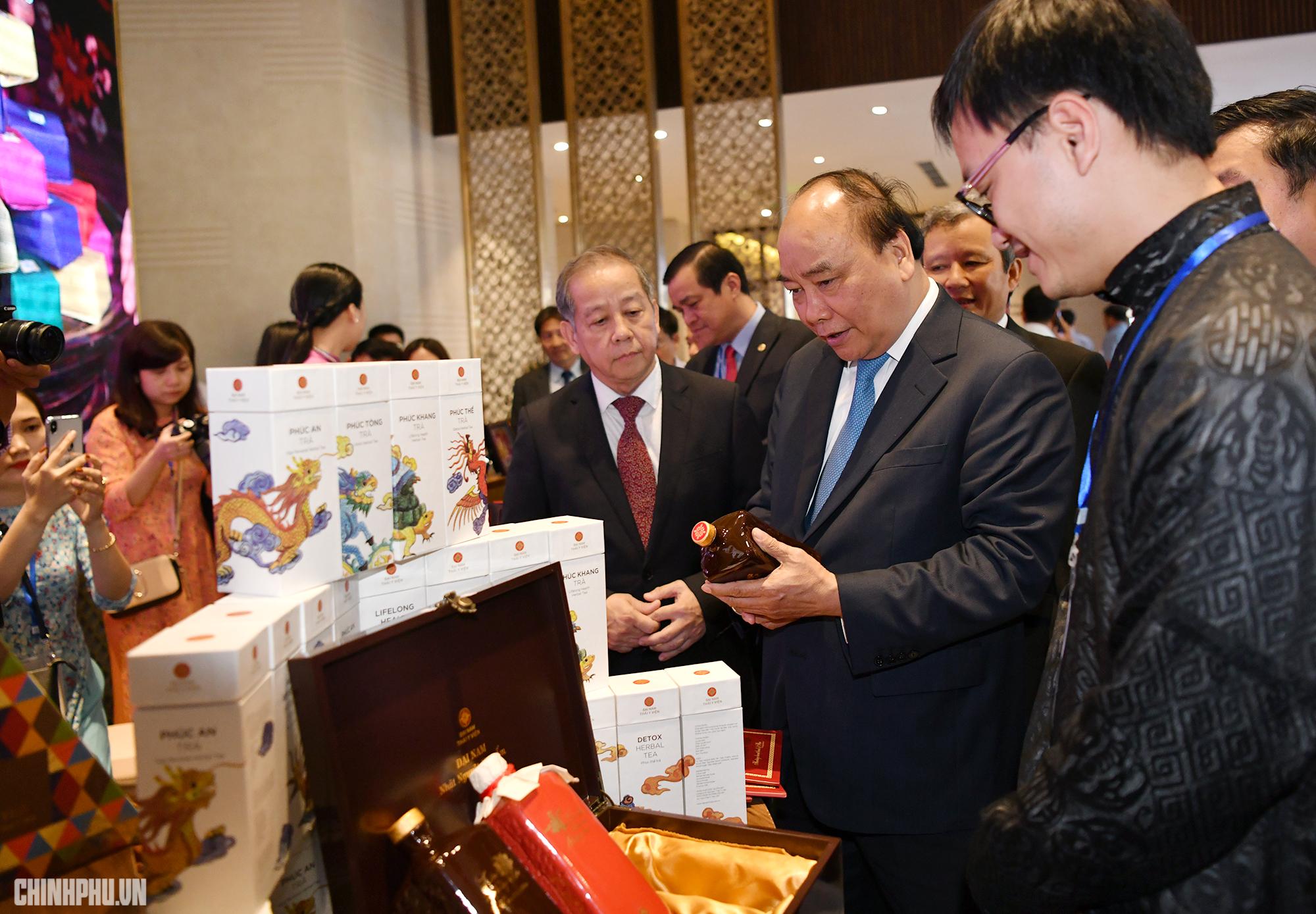 Thủ tướng Nguyễn Xuân Phúc dự giao ban Hội đồng Vùng kinh tế trọng điểm miền Trung