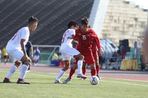HLV Quốc Tuấn nói gì về chiến thắng nhọc nhằn trước đội tuyển Philippines?
