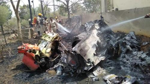 Ấn Độ: Hai máy bay phản lực đâm nhau khi trình diễn trên không, phi công tử nạn