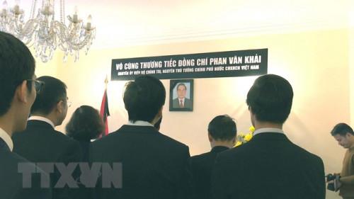 Lễ viếng cố Thủ tướng Phan Văn Khải tại một số quốc gia trên thế giới